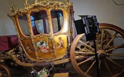 Restaurierung einer historischen Kutsche im Marstallmuseum