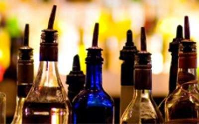 Spirituosen in einer Bar