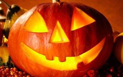 Grinsender Halloween-Kürbis