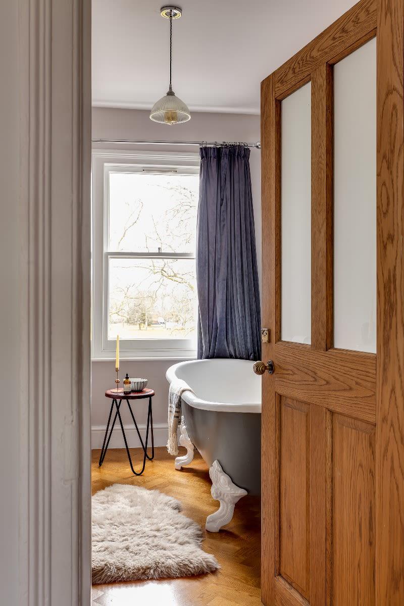 boston-pendant-light-mullan-lighting-guide-to-bathroom-lighting