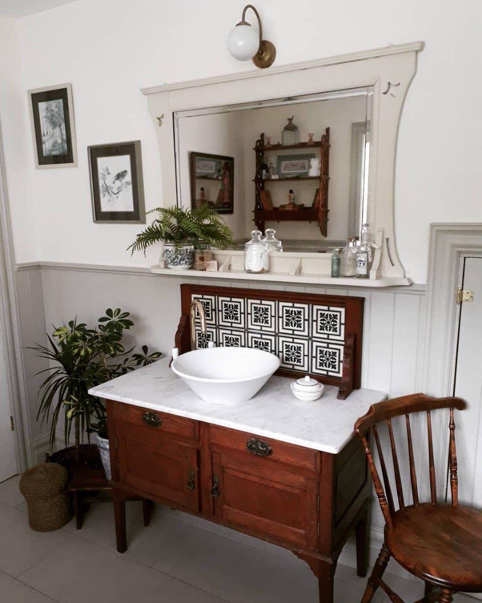 bragan-wall-light-mullan-lighting-guide-to-bathroom-lighting