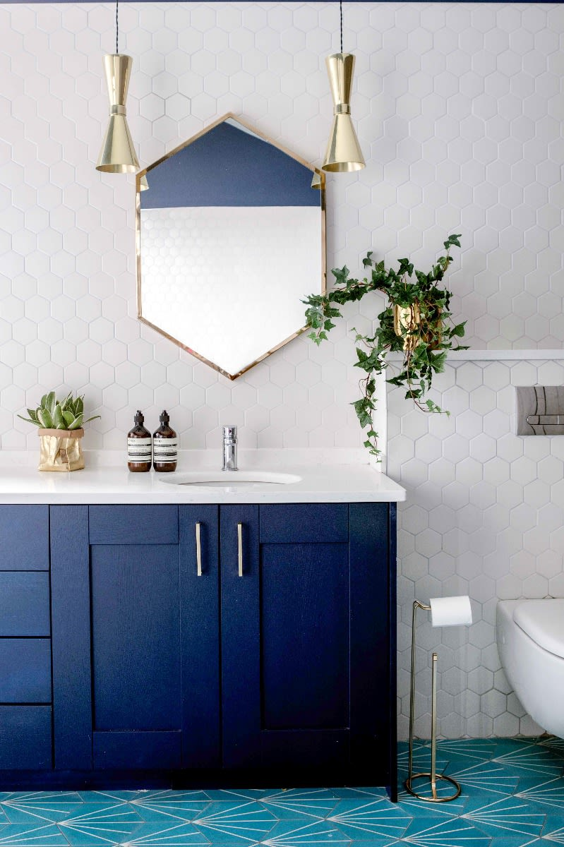 cairo-pendant-light-mullan-lighting-guide-to-bathroom-lighting
