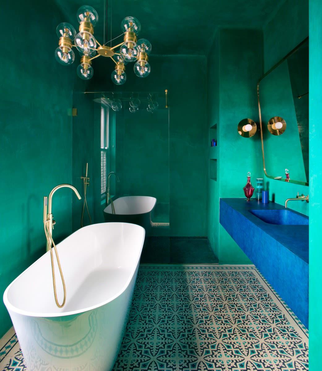 eske-chandelier-mullan-lighting-guide-to-bathroom-lighting