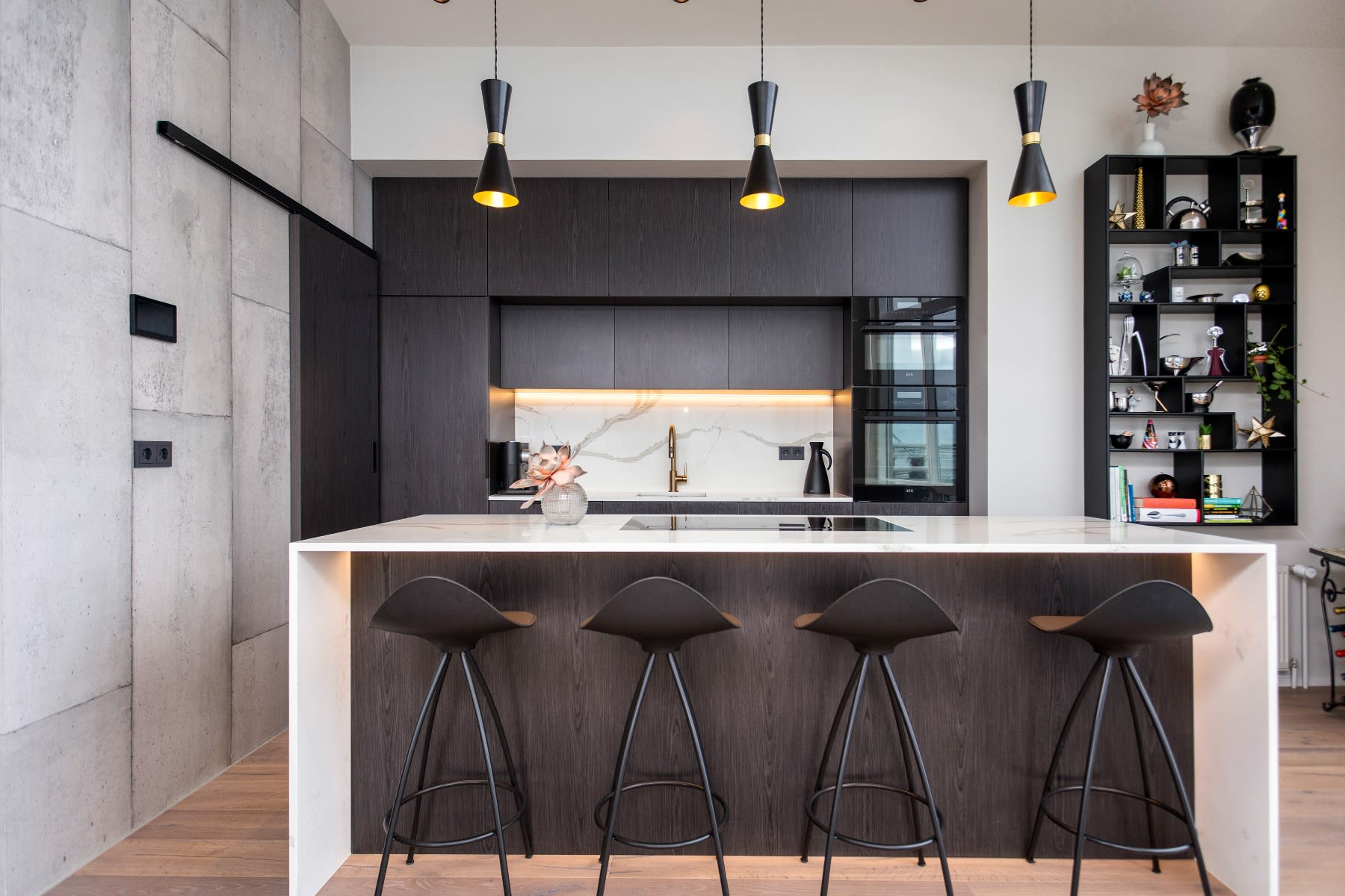 Kitchen Island Lighting Here is What You Need to Know   Mullan ...