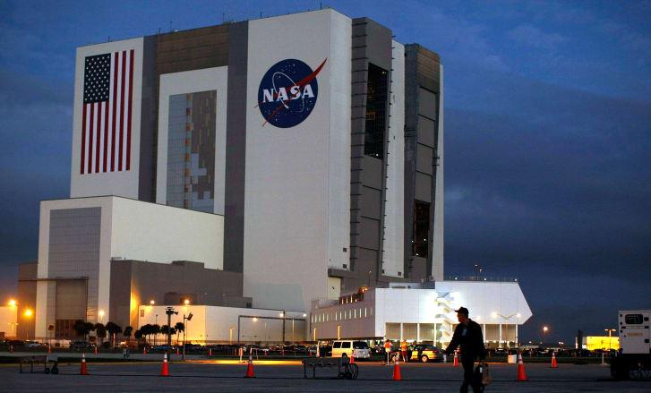 lanzamiento espacial SpaceX, asteroide