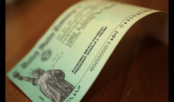 cheque Mickey Mouse, Mnuchin cheques coronavirus tarjeta débito ayuda coronavirus McConnell Mnuchin nuevo cheque coronavirus Tesoro
