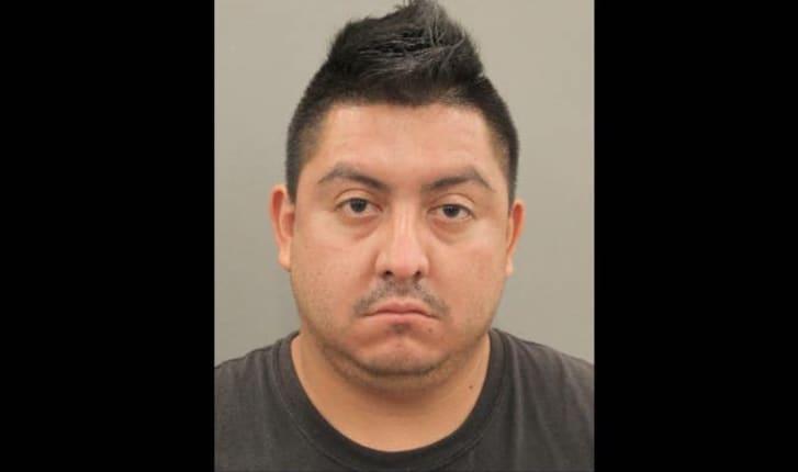Esvín Crispín Aguilar está acusado de homicidio por intoxicación por presuntamente matar a una mujer cuando manejaba ebrio.