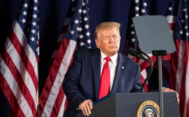 Donald Trump impuestos coronavirus reapertura escuelas Covid-19