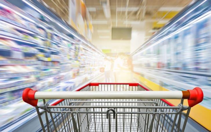 Un minuto feliz en el supermercando para llevarte lo que quieras