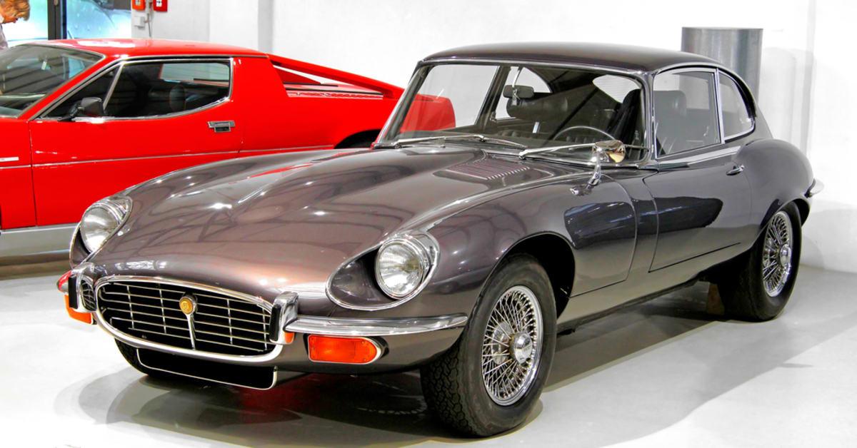 La Impresionante Coleccion De Autos De La Realeza Video