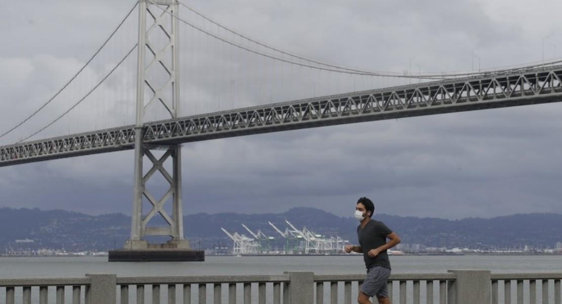 Condado de California exige a sus residentes usar mascarillas al salir para evitar COVID-19