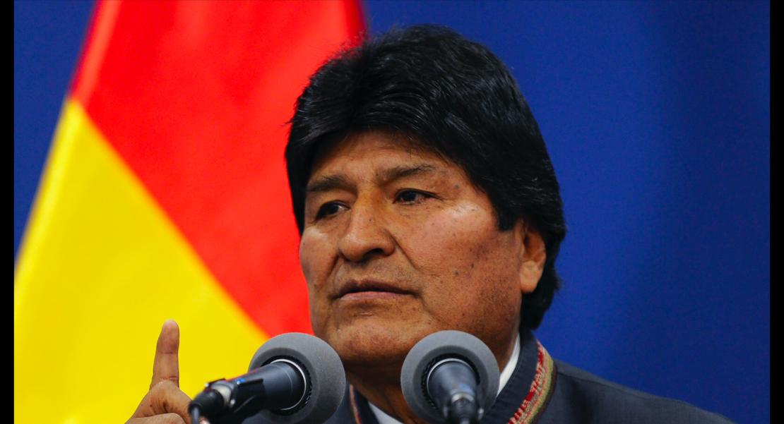 Evo Morales renuncia AMLO