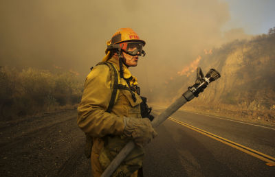Incendio en Santa Clarita. Foto AP