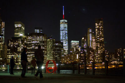 El One World Trade Center realizó así un homenaje a París. (AP).