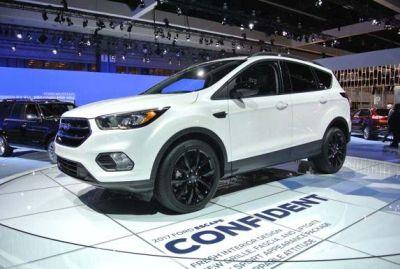 AUTOS_Ford_Escape_120315