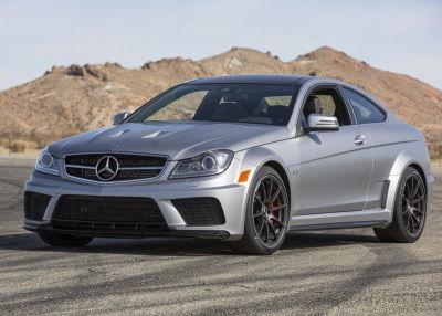 El Chapo Guzmán contaba con dos unidades del exclusivo Mercedes-Benz C63 AMG, incluido un Series Negra como el de la imagen. Foto: Mercedes-Benz