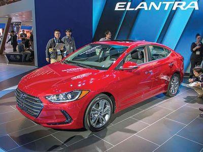AUTOS_Hyundai_Elantra_120315