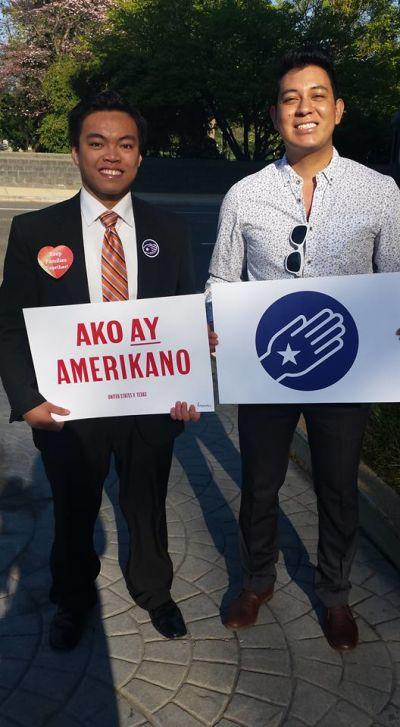 Los activistas proinmigrantes Raymond Partolan y Eduardo Samaniego. Foto: Cortesía de Raymond Partolan