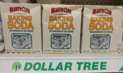 El bicarbonato de sodio es un elemento básico de toda casa hispana y ¡no es  solo para hornear! La gente lo usa como un limpiador del hogar para hacer  frente ... 98ebf49fbc4