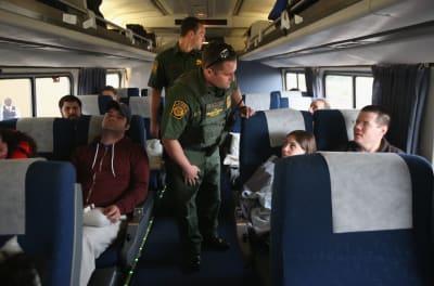 Patrulla Fronteriza, inmigrantes, trenes, Amtrak, Syracuse, Nueva York, Cuarta Enmienda, Constitución, Corey El, video, redes sociales, Buffalo, Ley de Inmigración y Nacionalidad, ICE