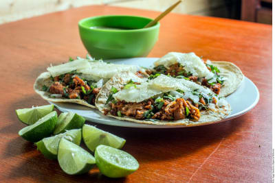 Tacos al pastor veganos