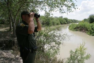 Drama en el Río Bravo: muere ahogada migrante hondureña con su bebé en brazos