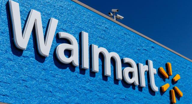 Walmart anuncia que suspenderá venta de armas cortas y algunas municiones