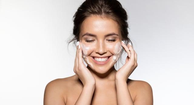 Limpieza facial: 11 mitos que debes erradicar de tu cara