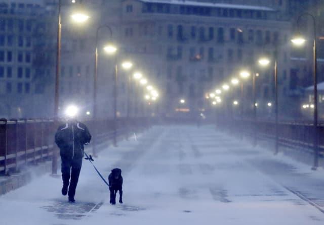 Ola polar amenaza EEUU y provoca cierre de escuelas, negocios y oficinas