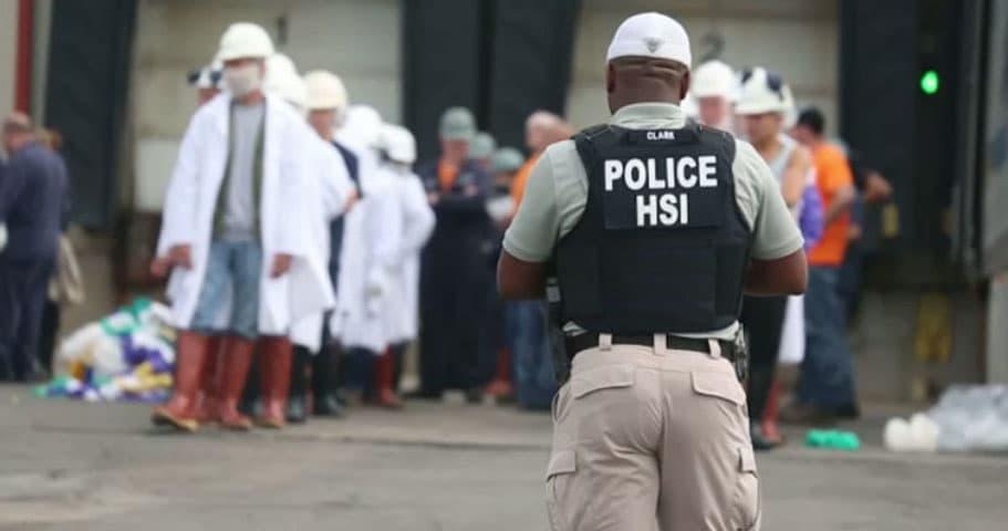 Sentencian a dueño de empacadora de carne tras redada de ICE en Tennessee