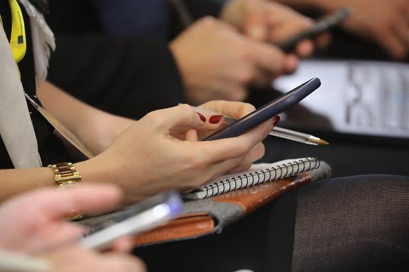 Proponen un impuesto a los mensajes de texto en California