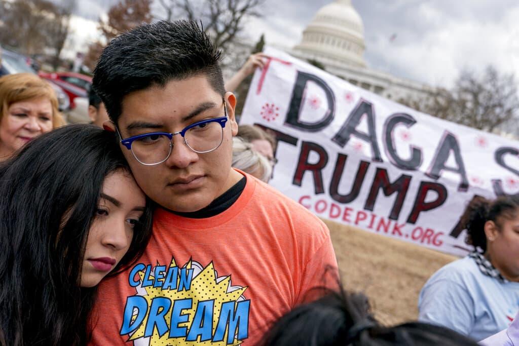 Fiscal de Arizona apoya a Trump en sus esfuerzos por eliminar DACA