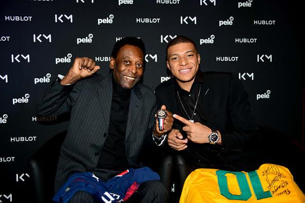 Pelé recibe el alta médica en Francia y dice que quiere volver a Brasil