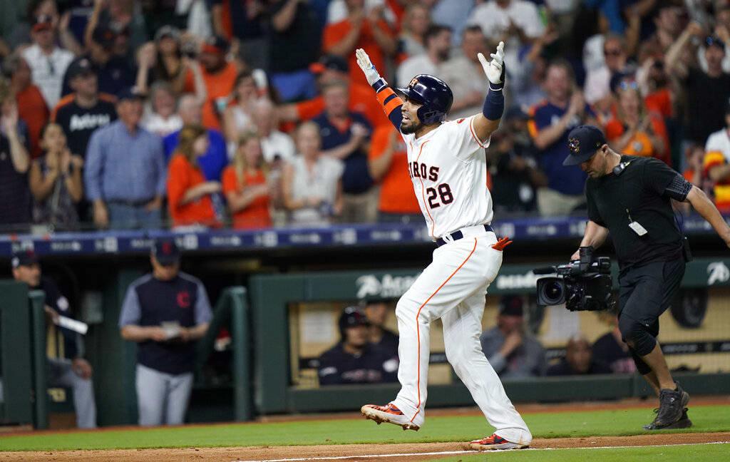 Astros gana con jonrón de Chirinos y Rangers vuelve a apalear a Marineros