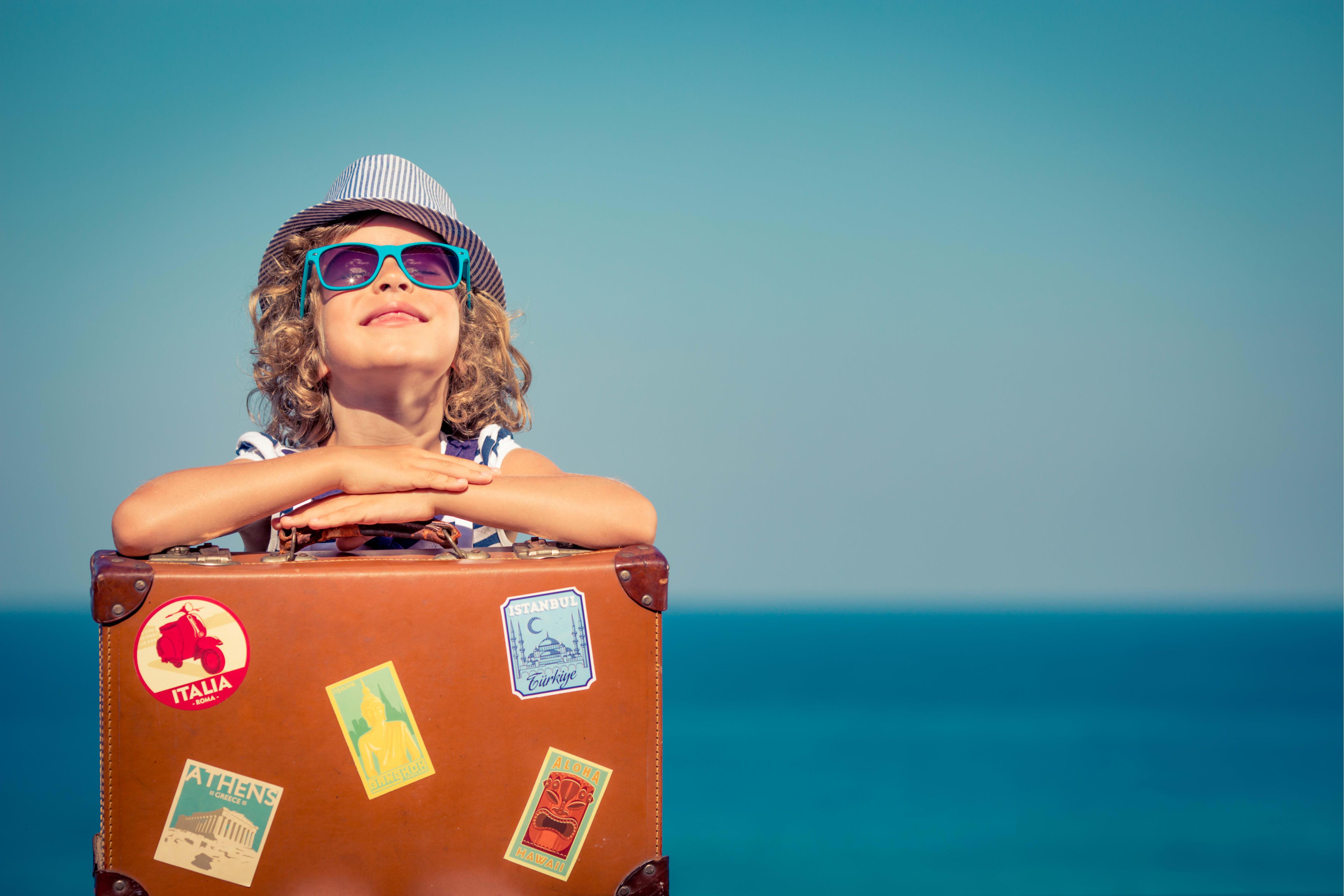 Claves para tomar vacaciones sin gastar mucho dinero (VIDEO)