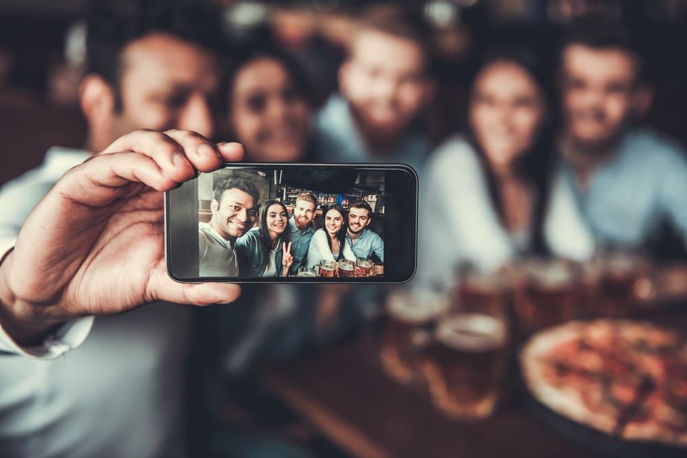 Fotos con amigos: 5 mejores apps para fotografías y selfies