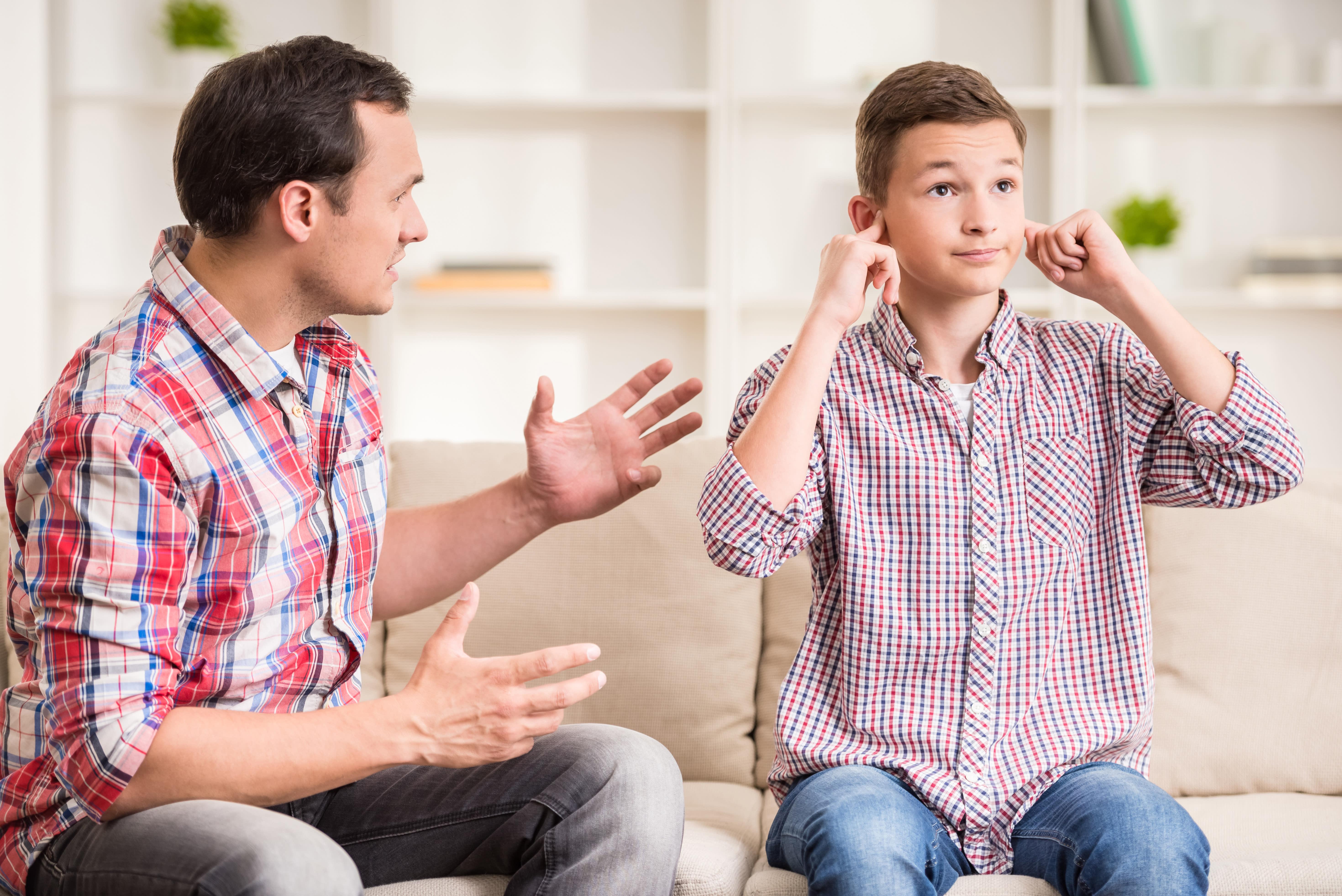 Primera relación sexual y adolescentes: 5 consejos para tener 'la charla' con tu hijo