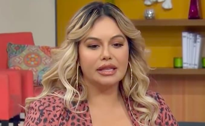 Chiquis se graba con embarrado pantalón moviendo las caderas (VIDEO)