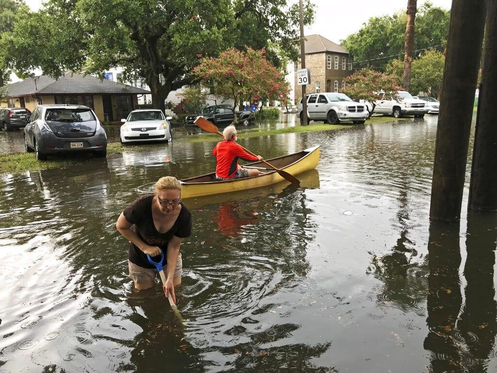 Inundaciones en Nueva Orleans tras tormenta; prevén llegada de huracán