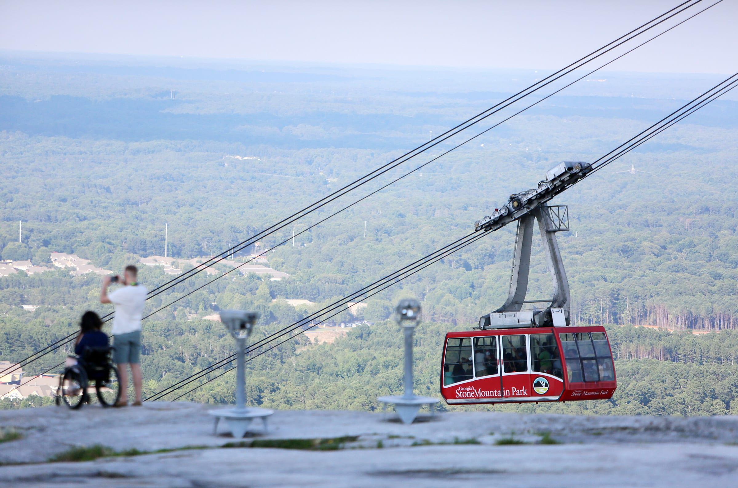 ¡A disfrutar de las atracciones del icónico Stone Mountain Park de Atlanta!