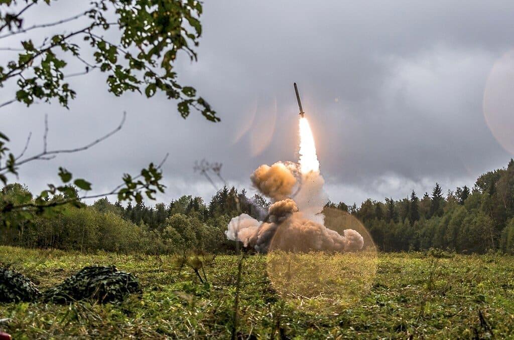 Tercera Guerra Mundial. Confirman cohetes cerca de objetivo estadounidense en Irak; Irán revela si habrá guerra