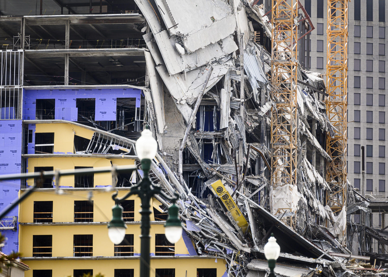 Inmigrante herido tras colapso de hotel al borde de ser deportado