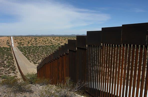 ACLU intenta frenar construcción de muro fronterizo