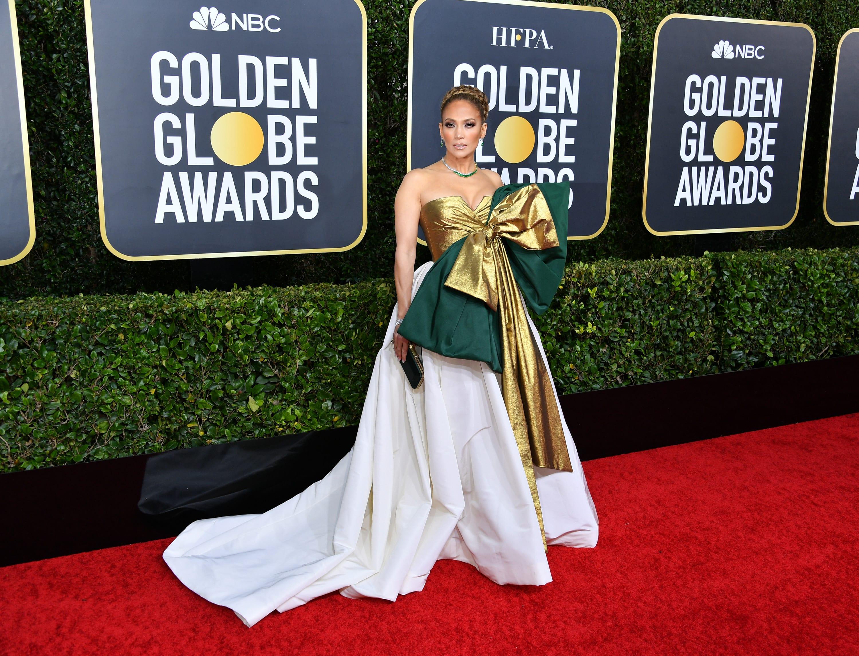 Golden Globes: JLo aparece con vestido que hasta sorprende a Jomari Goyso (FOTOS)