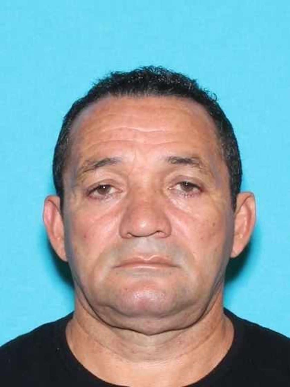 Texas: Cubano acusado de un homicidio se lanza de un puente y muere.
