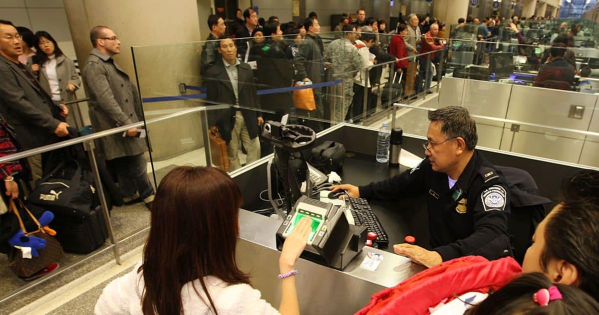 Crónica aeropuerto reglas distintas