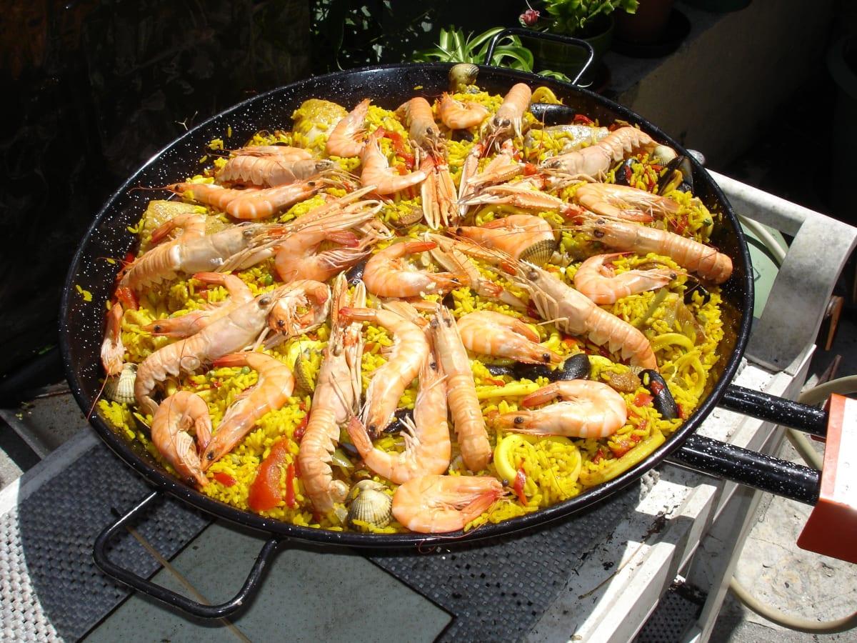 paella española