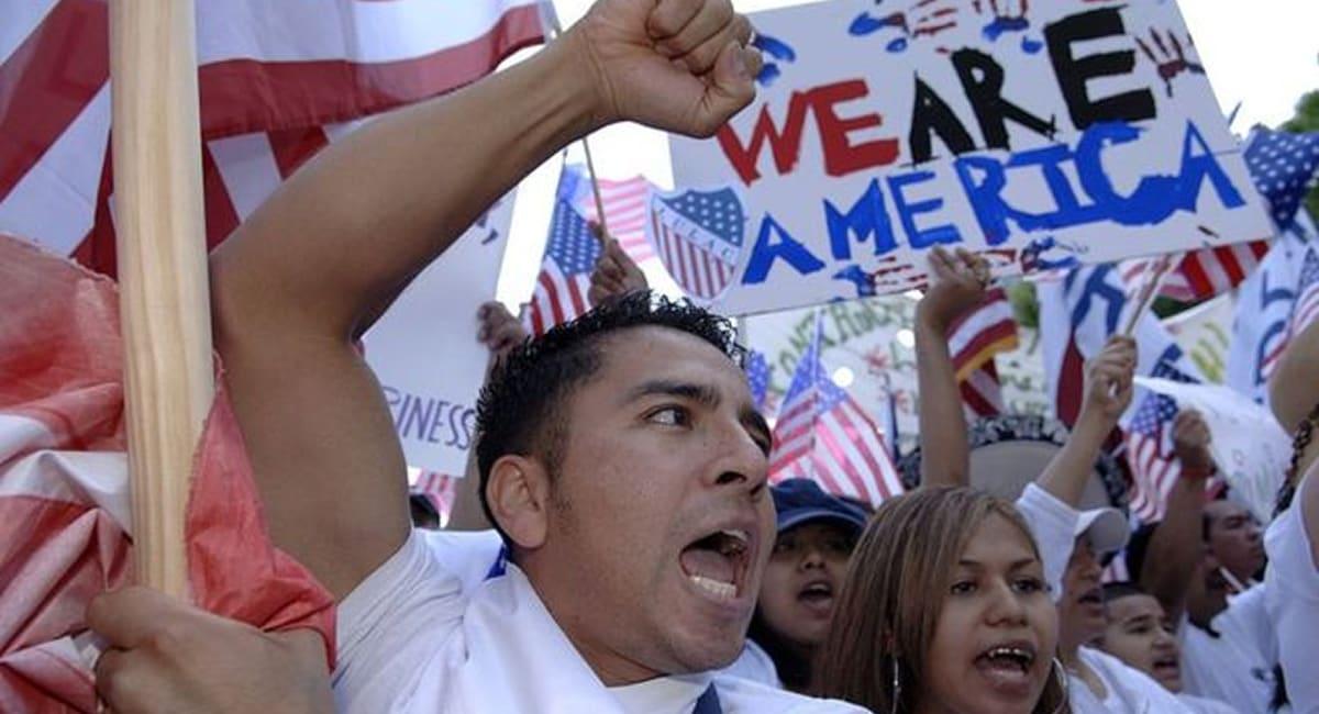 invasión de latinos