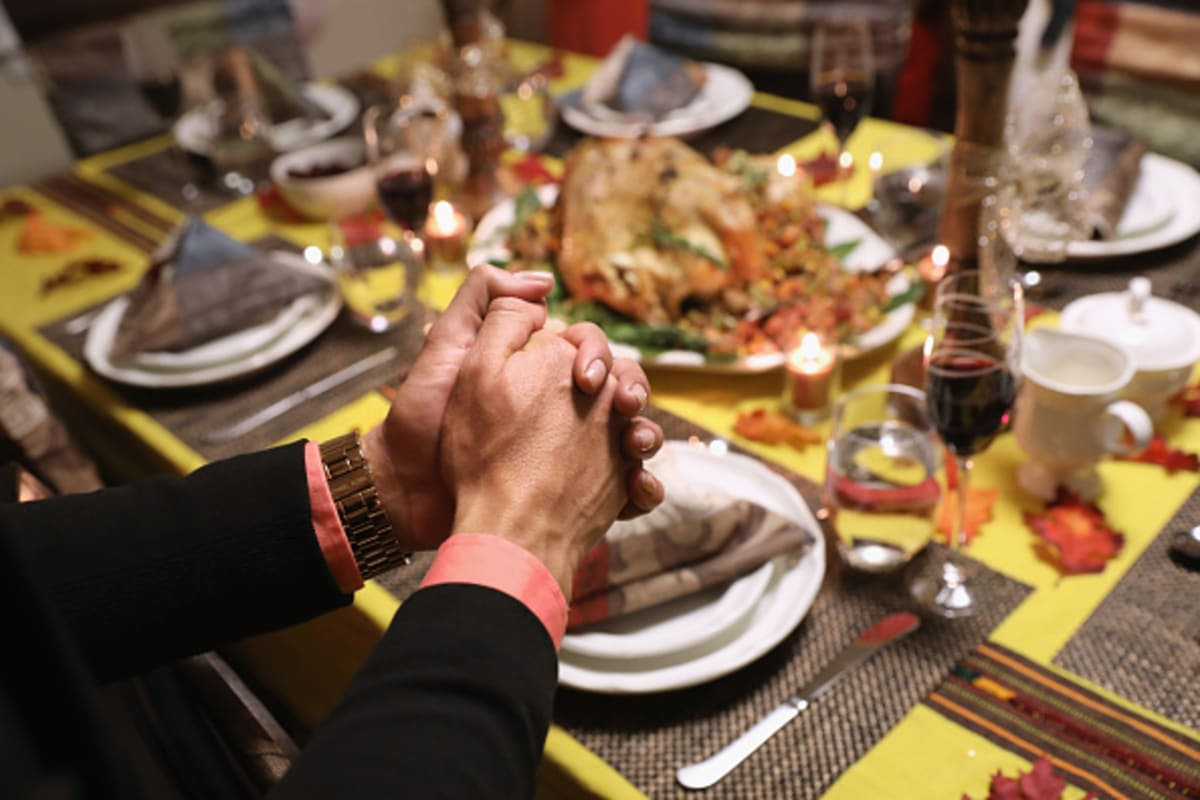 Regalan cientos de pavos antes de thanksgiving en California