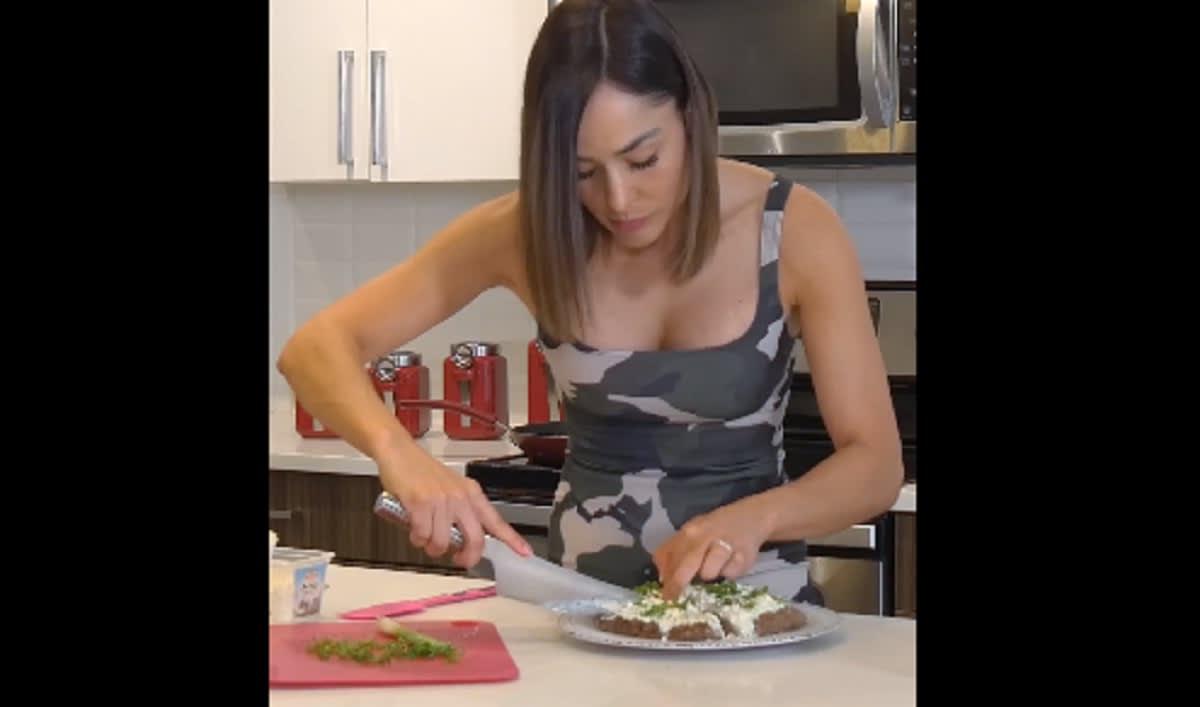 Pizza mediterránea-carne molida-proteínas-concina griego